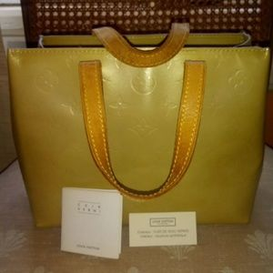 Authentic Louis vuitton vernis reade pm bag